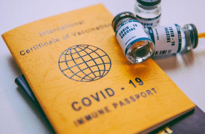 Aşı pasaportu tartışması