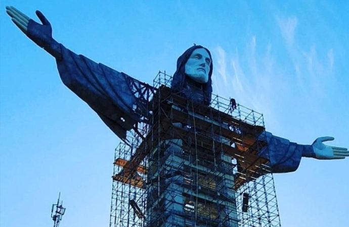 Brezilya'da 'daha uzun' bir İsa heykeli inşa ediliyor