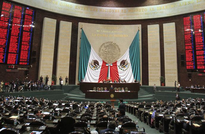 Cep telefonu operatörlerinin biyometrik veri toplamasına Meksika'da yasal izin