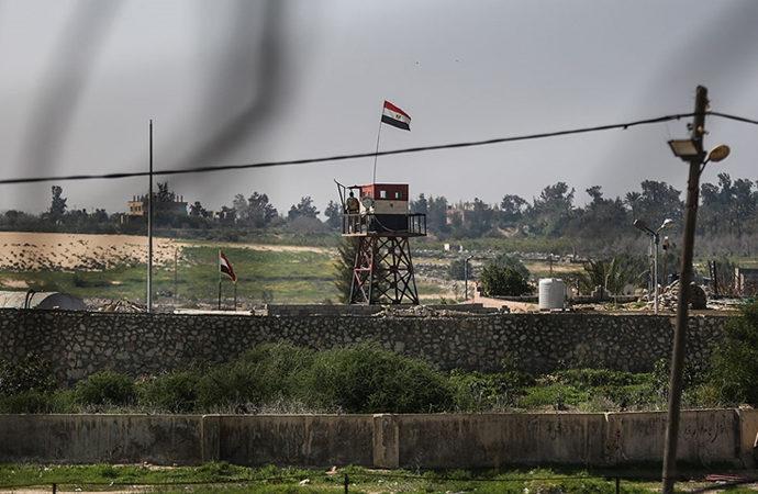 Mısır ordusu Gazze sınırındaki tünelleri yıkmaya devam ediyor