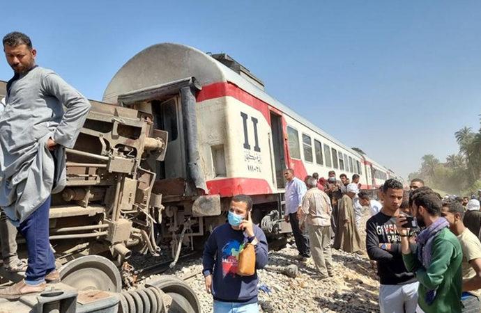Mısır'da yine tren kazası: 8 ölü, 100'den fazla yaralı
