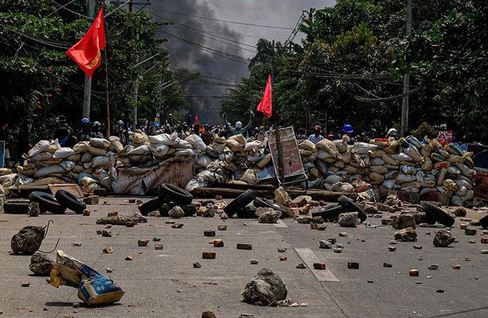 Myanmar'da 'iç savaş olasılığı artıyor'