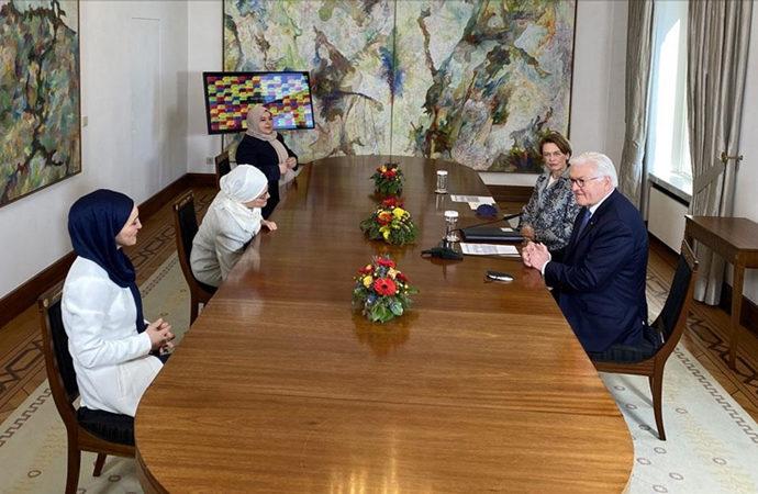 Steinmeier, Müslüman kadınlarla bir araya geldi