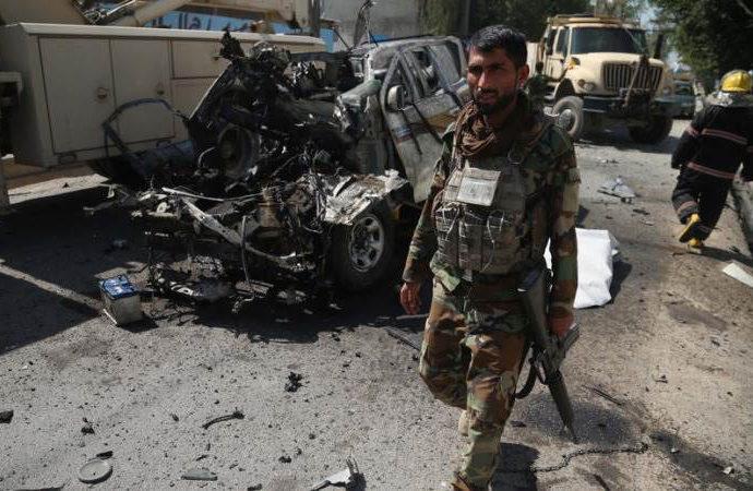 Kabil'de iftar saatinde okul önüne bomba