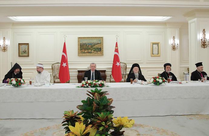 Çankaya Köşkü'nde azınlık cemaati liderlerine iftar daveti