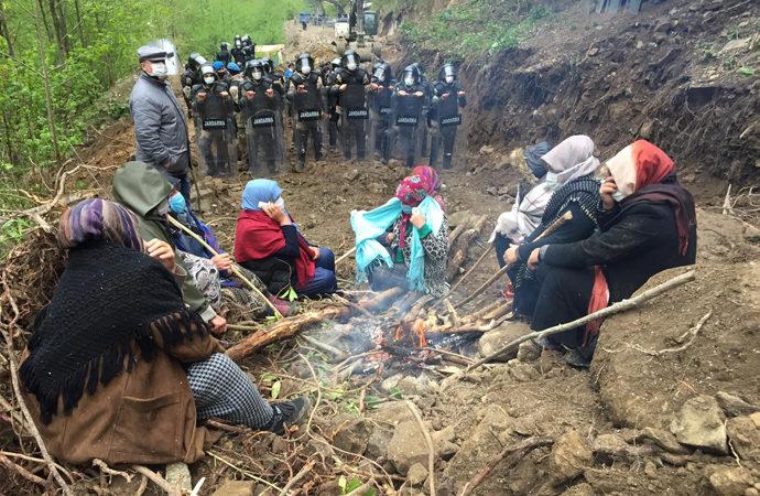 """Rize'de STK'lardan """"taş ocağına destek"""" açıklaması"""