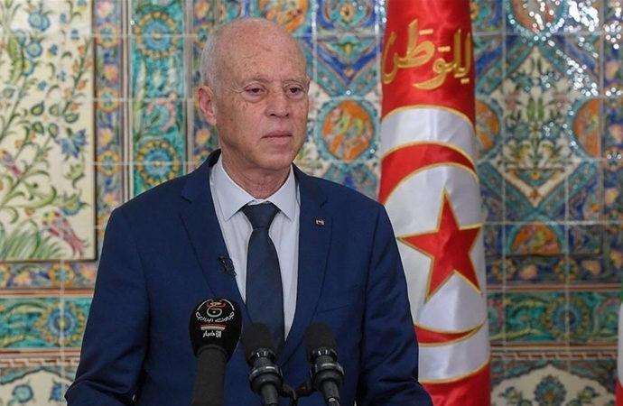 Tunus'taki 5 siyasi parti, yeni düzene tepki gösterdi