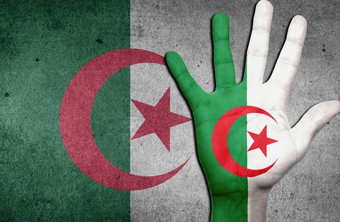Cezayir'de bir TV kanalının yayını durduruldu