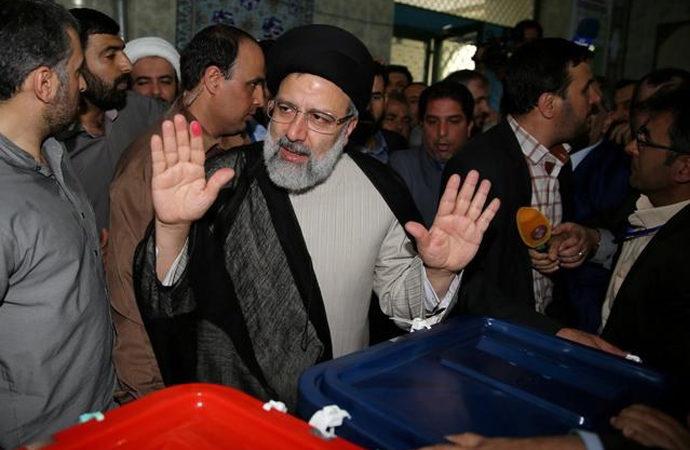İran'daki seçimlerde isimler değil iki siyasi gelenek çekişecek