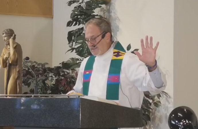 Katolik papaz, Kanada yerlilerini yalancılıkla suçladı