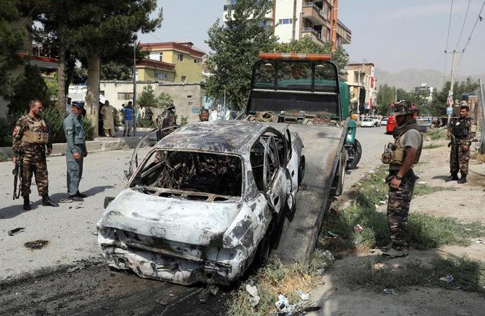 Kabil'de bayram namazında roketli saldırı