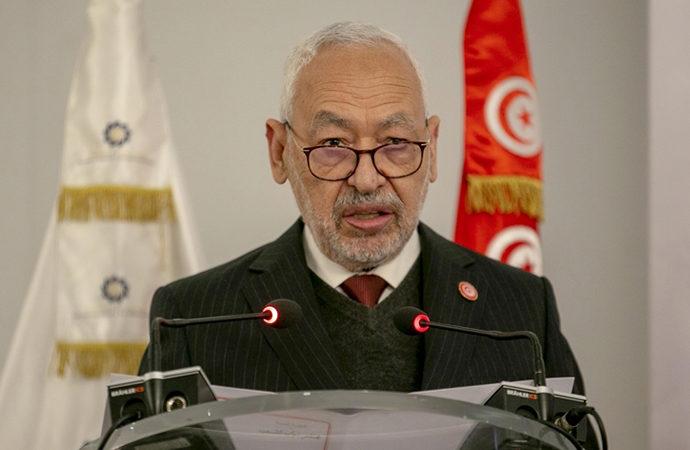 Meclis'e girişine izin verilmeyen Gannuşi, orduya ve Tunuslulara çağrı yaptı