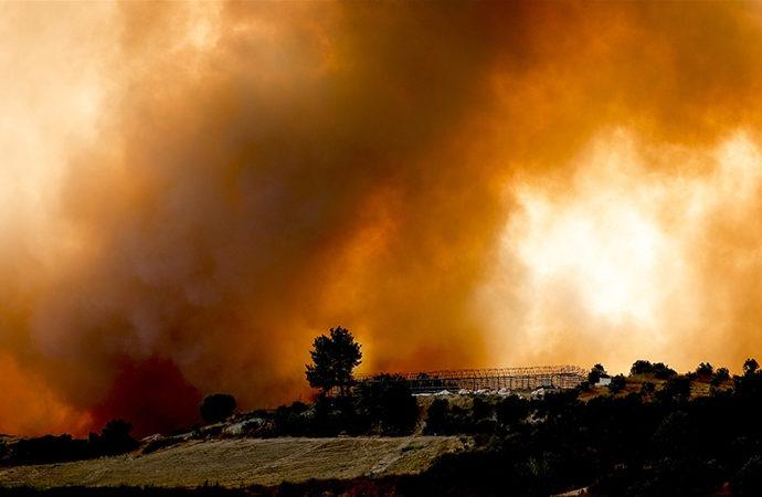 26 ilde çıkan 85 yangının 74'ü kontrol altına alındı