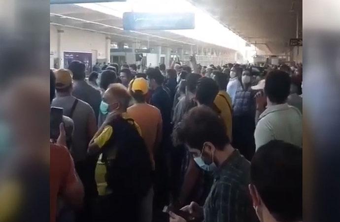 Tahran metrosunda elektrik protestosu