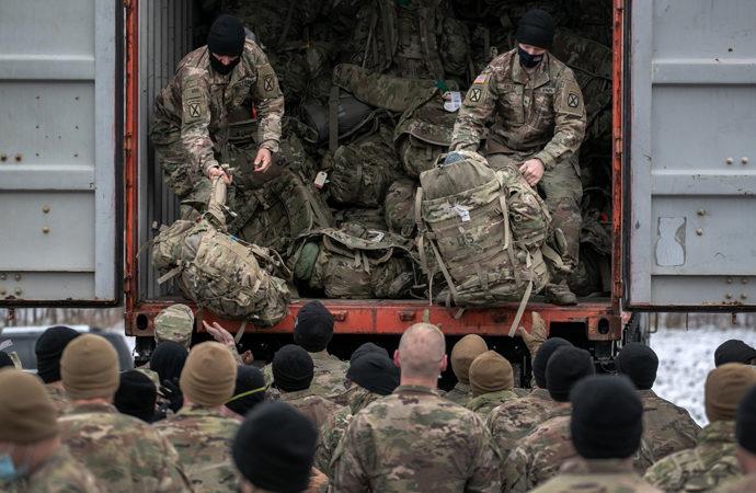 ABD'nin Taliban'a teklifi: Tahliyeye karışma, kabul gör!