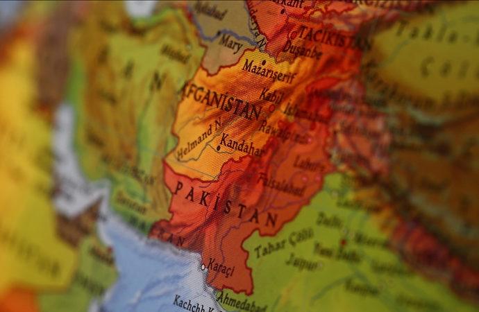 ABD ve İngiltere, vatandaşlarının Afganistan'ı terk etmelerini istedi