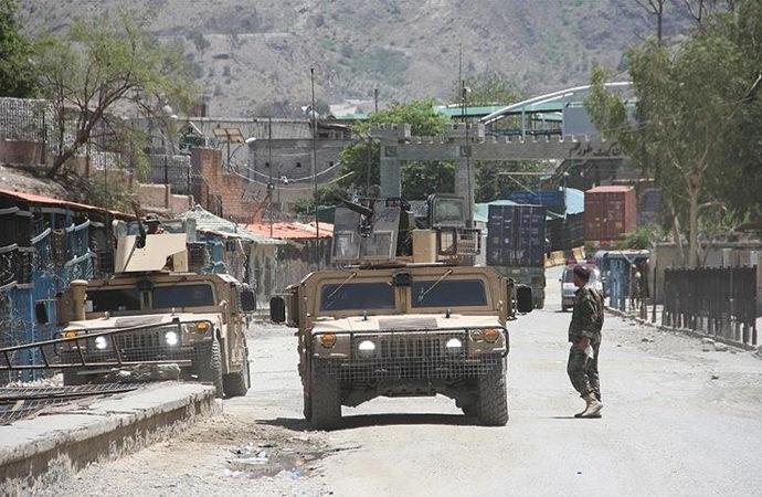 Taliban'ın kontrolü aldığı vilayet merkezi 15'e yükseldi