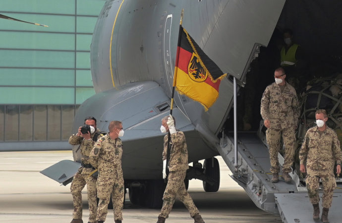 Almanya bir grup Afgan'ı ülkeden çıkarmayı hedefliyor