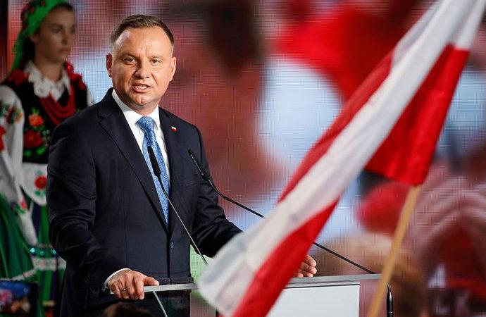 Polonya'dan yahudilere karşı sürpriz adım