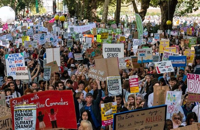 Çevre aktivistleri gösterilerde çevreye ne kadar çöp bıraktı?