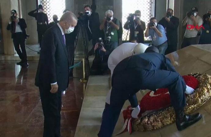 Erdoğan liderliğinde Anıtkabir ziyareti