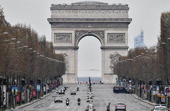 'Fransa, eski Afgan çalışanlarıyla tahliye için irtibata bile geçmedi'