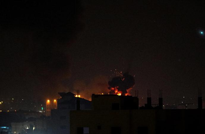 Siyonist ordusu dün gece Gazze'ye saldırdı