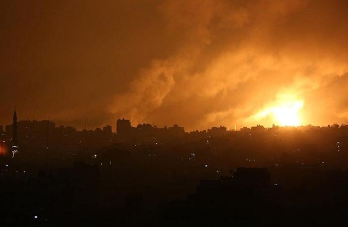 İsrail savaş uçakları Gazze'yi bombaladı