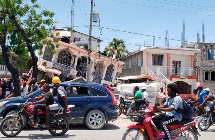 Haiti'deki depremde ölü sayısı 1297'ye yükseldi