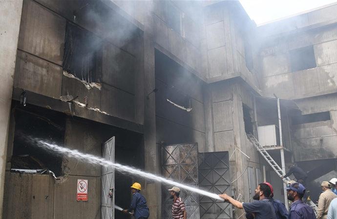 Pakistan'da fabrika yangını
