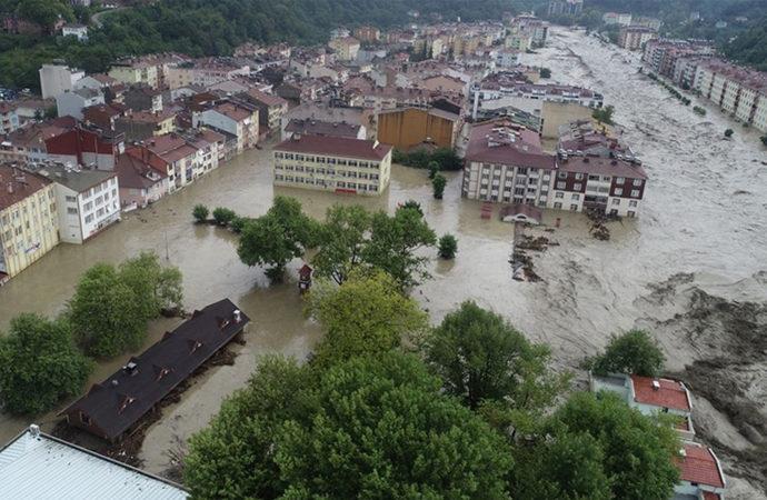 Kastamonu'da sele kapılan 4 kişi hayatını kaybetti