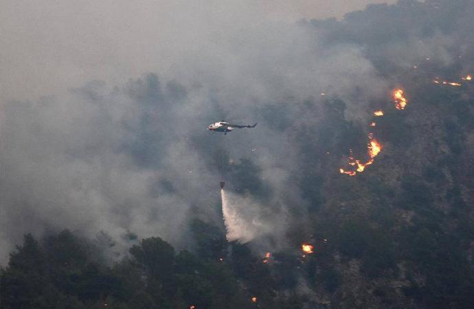 Milas ve Köyceğiz yangınları dışında kontrol sağlandı