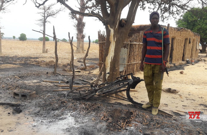 Nijerya'da silahlı kişiler 36 köylüyü katletti, evleri yaktı