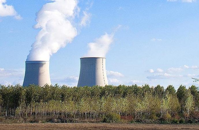"""İki kez atom bombası atılan Japonya'da """"nükleer silah"""" tartışması"""