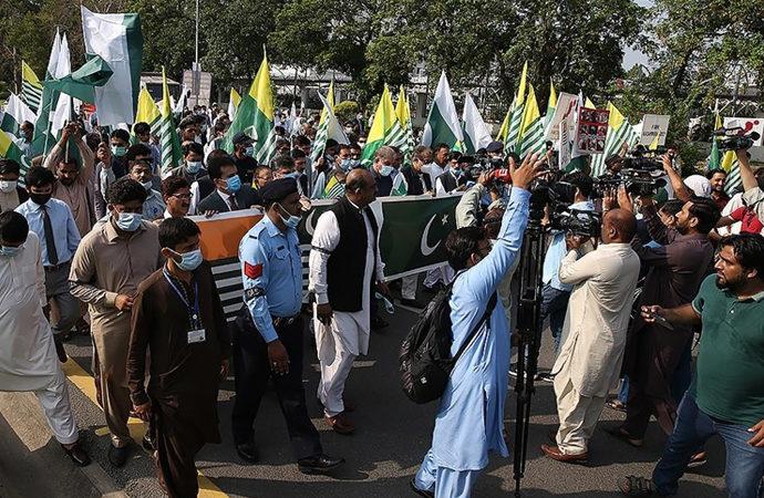 Pakistan'da Cammu Keşmir halkı ile dayanışma yürüyüşü