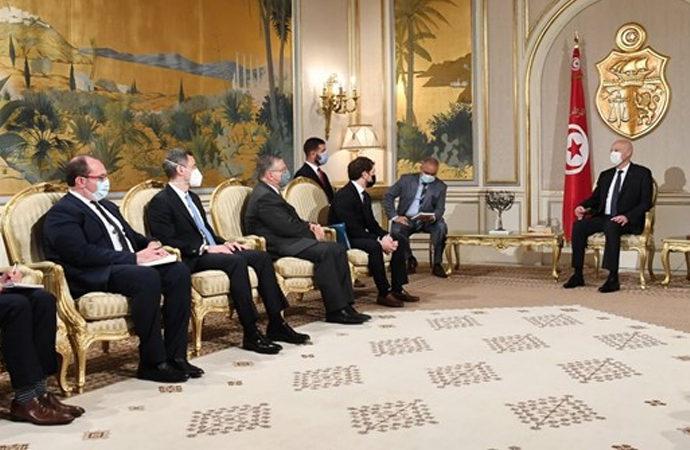Amerikalı heyet Tunus cumhurbaşkanını ziyaret etti