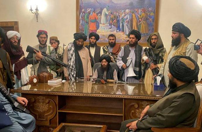 Taliban Kabil'de başkanlık sarayında