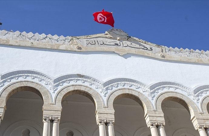 Nahda Tunus'taki krizi yönetmeye çalışıyor