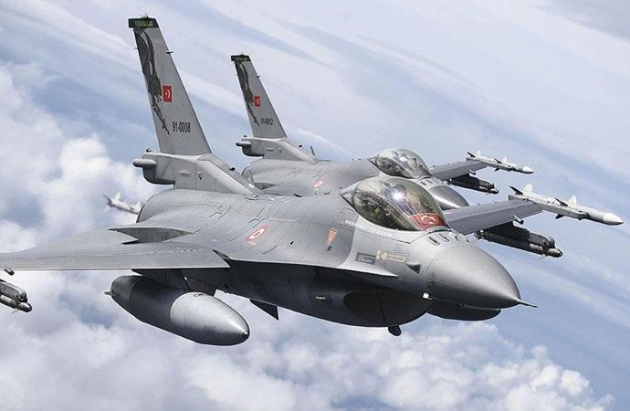 Türk uçakları Polonya'da Nato'nun sınırlarını koruyor