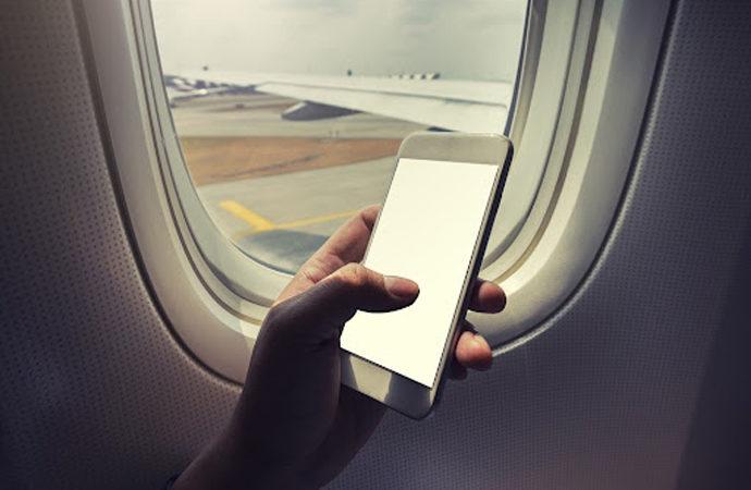Kabin görevlisi anlattı: Telefonunuzu neden uçuş moduna almalısınız?