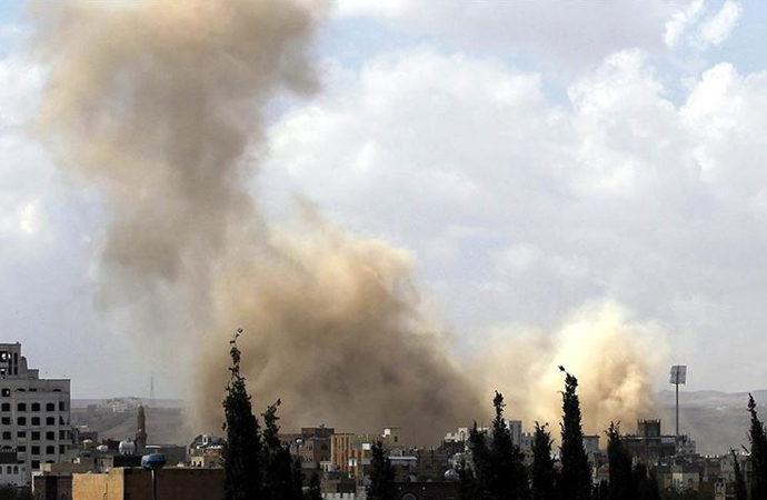 Yemen'de askeri üsse saldırı: 40 asker öldü