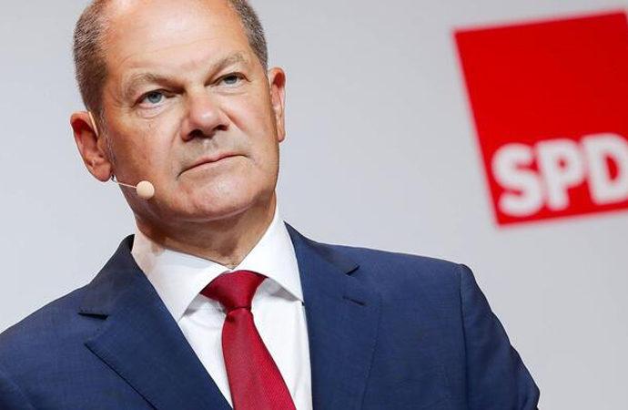 Almanya'da Sosyal Demokrat Parti birinci çıktı