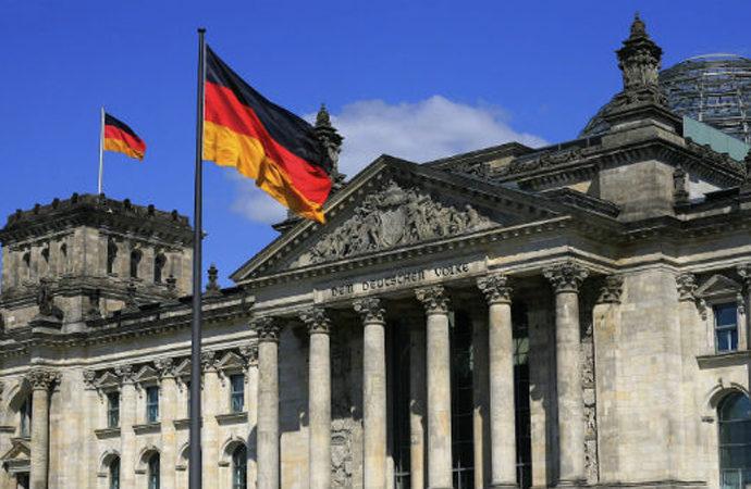 Almanya'da yolsuzluk soruşturması