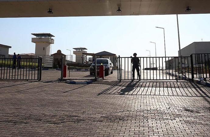 Cezaevindeki çocukların için uygulanan kapalı görüş usulüne son verildi