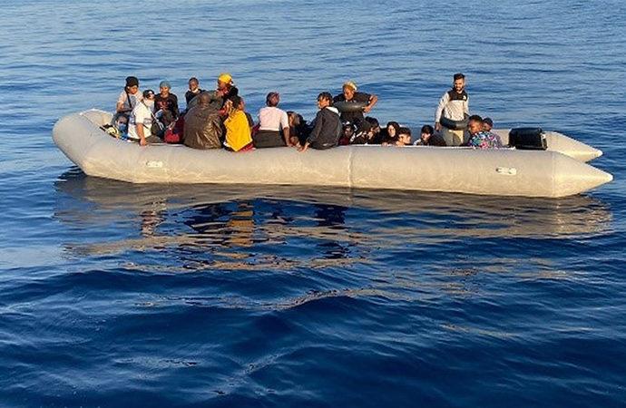 İngilizler, göçmenleri taşıyan teknelere ne yapacak?