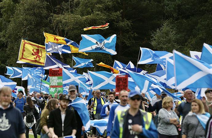 İskoçlardan bağımsızlık talebi: Britanya devleti dağılsın
