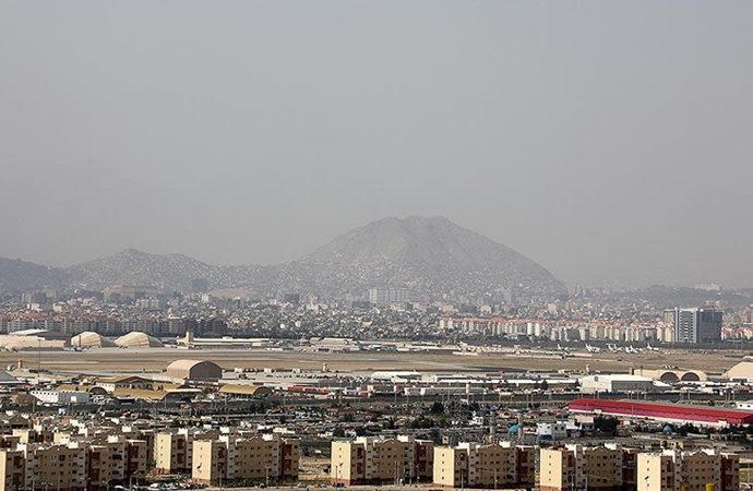 Katar'dan teknik heyet Kabil havalimanında