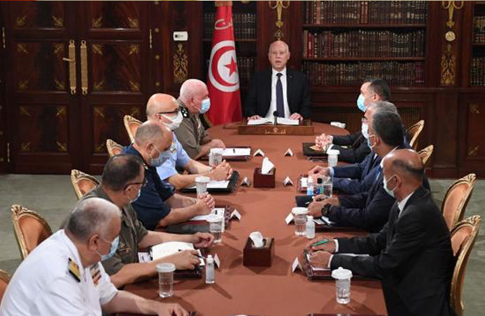 "Tunus'ta ""maskeli diktatörlük"""