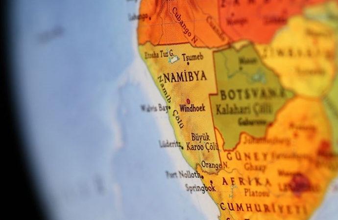Namibyalılar meclisi bastı