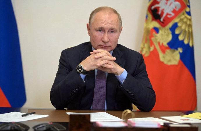 Putin'in partisi 324 milletvekili kazandı